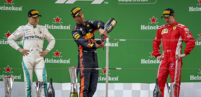 Daniel Ricciardo wins F1 Chinese Grand Prix